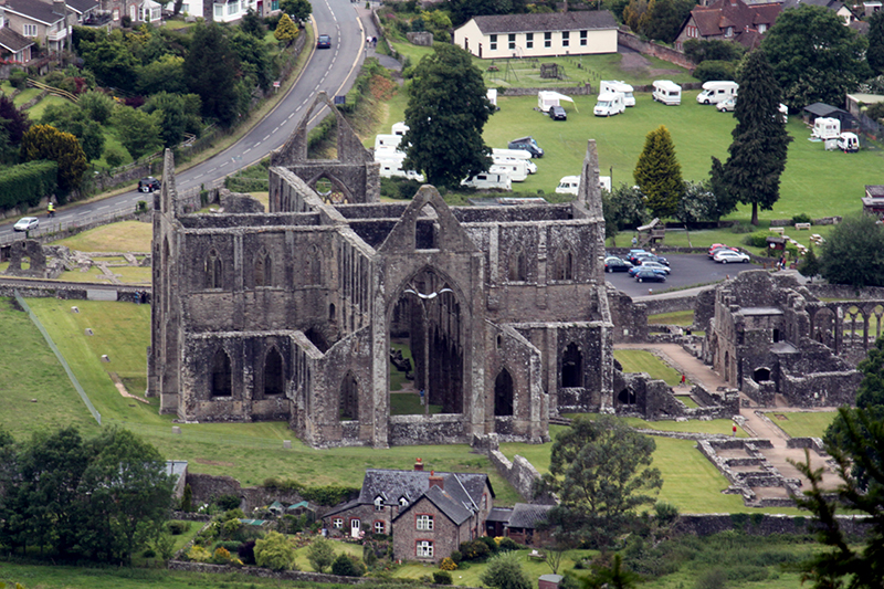 Finding beauty in the UK - Tintern Abbey