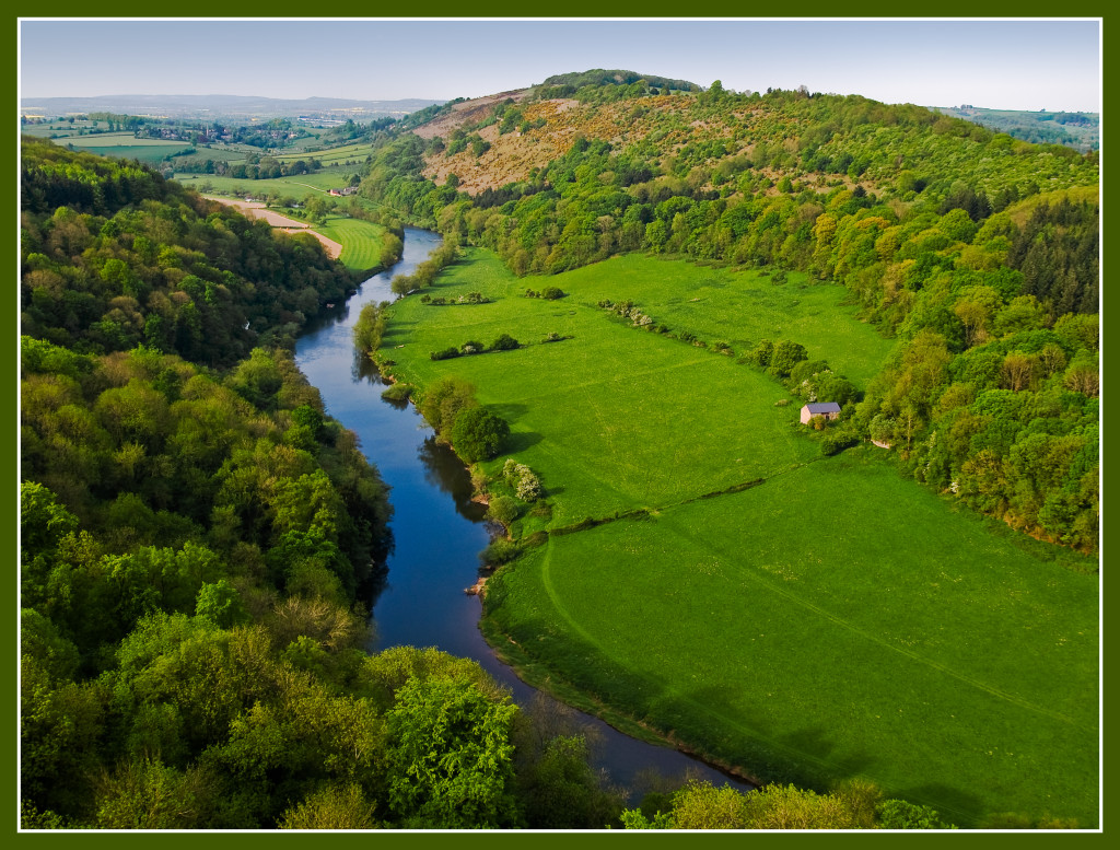 The greens of England. The River Wye from Symonds Yat Rock. Photo: Anguskirk, flickr